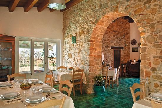 La sala da pranzo picture of terre di himera termini for Sala da pranzo versace