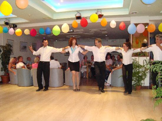 Three Brothers Hotel: Greek dancing by Hotel staff
