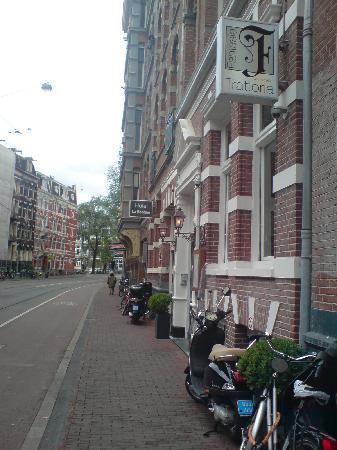 Hotel La Boheme: Brilliant location