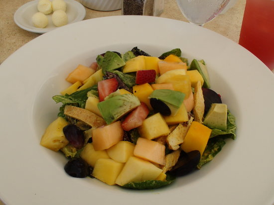 Mickey's Beach Bistro and Bar : Chicken Mango Salad