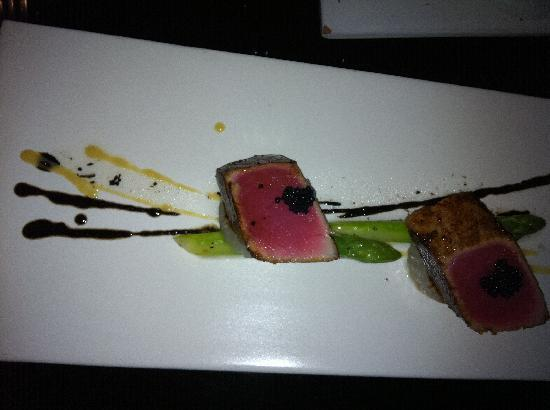TouMing SiKao: Our third course of Seared Tuna, seared asparagus