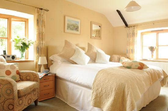 Roundhouse Barn: The Fal bedroom