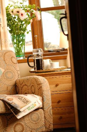 Roundhouse Barn: Relax in your B&B room