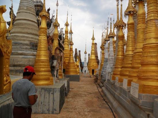 Birmanie (Myanmar) : Temple