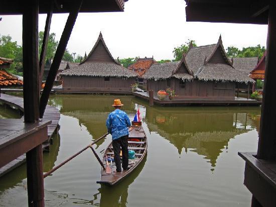 Bangkok, Tailandia: Ancient Museum 2