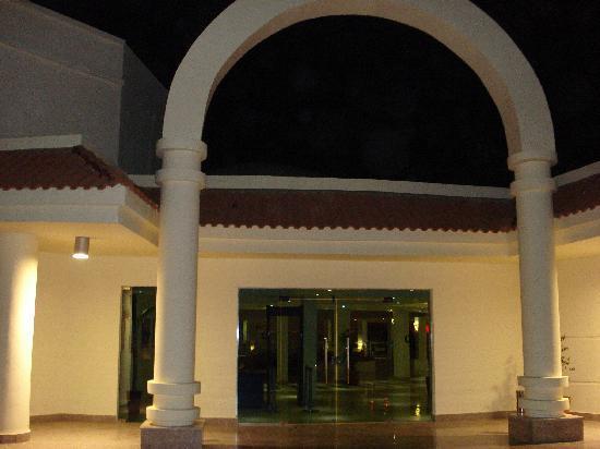Hotel Coral Sun Beach Resort : ingresso