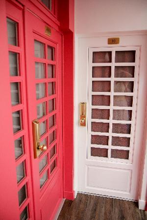 Hotel Tivoli Etoile : Doors to rooms