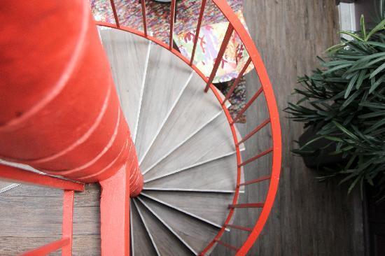 Hotel Tivoli Etoile : Staircase to rooms