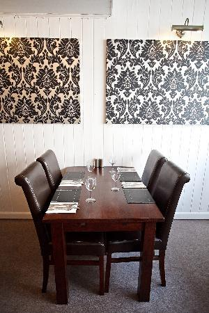Marmalade's Bistro: comfortable tables and chairs