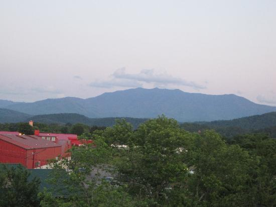 Park Tower Inn: view of the mountains from our room