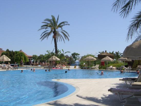 Sunrise Resort Hotel: One of the pools