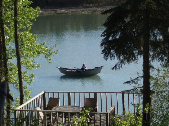 Relax on the Kasilof River (Alaska Riverview Lodge)