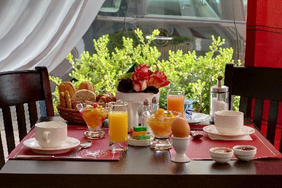 Hotel le Lausanne: breakfast
