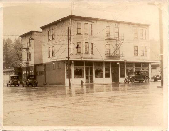 Historic Camas Hotel circa 1920's