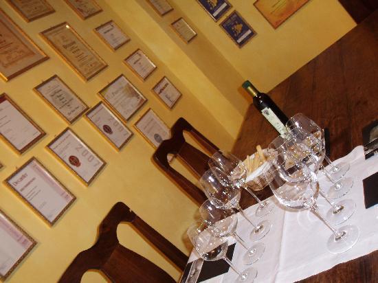 カステルヌオーヴォ デッラバテ, イタリア, 見学後のテイスティングルーム