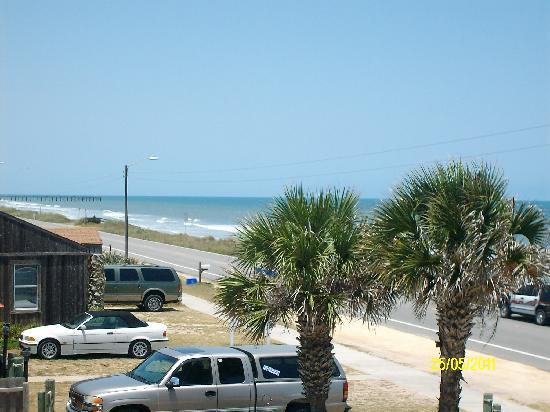 Beach Front Motel: The view from my room