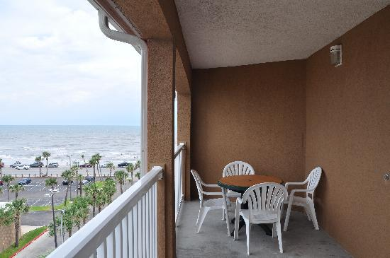 Quality Inn & Suites Beachfront: Private Balconies