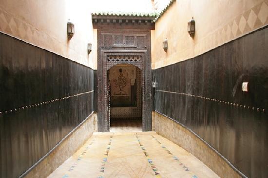Riad Alkantara : Entrance to the riad