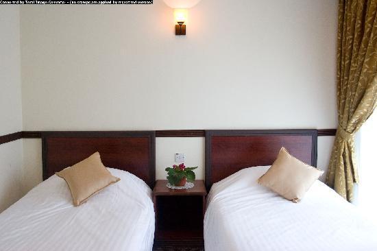 Planters Hotel: Twin Room