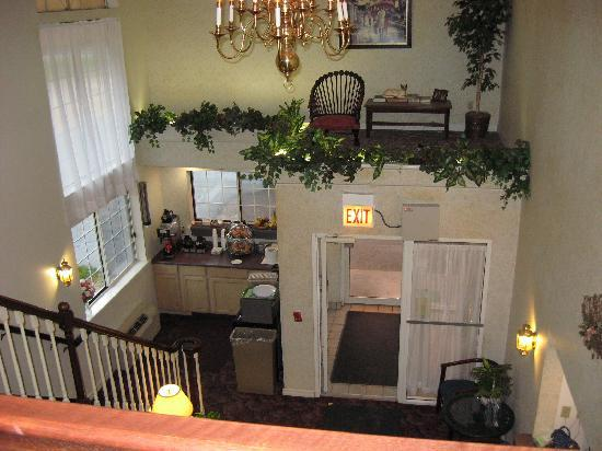 Adams Inn: Lobby