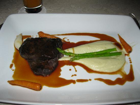 Brush Restaurant & Lounge : Ox cheek- 5 hours slow cooked!
