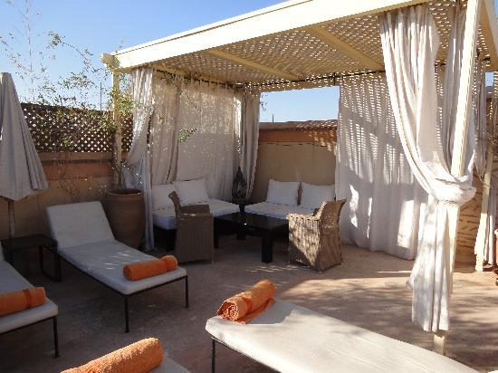 Riad Tzarra: One corner of the rooftop terrace