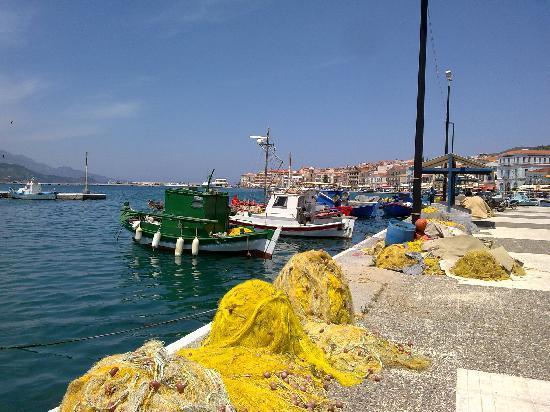 Votsalakia Hotel: Samos Harbour
