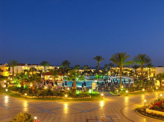 Lindos Princess Beach Hotel: View of hotel pools at night