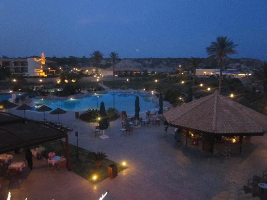 Atlantica Imperial Resort & Spa: The pool at night