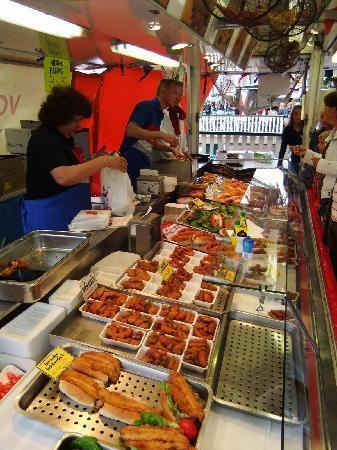 Volendam, The Netherlands: Fischstand