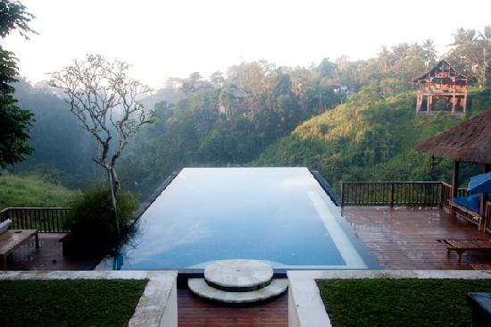 Amori Villas: Amori pool