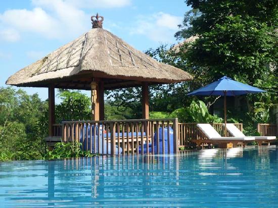 Amori Villas: Around the pool