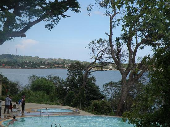 Welcombe Hotel - Trinco: More views and the pool
