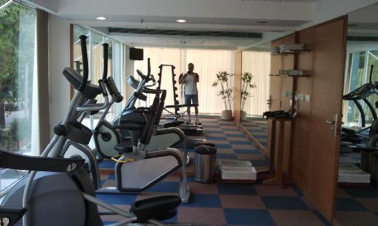 Hometel Chandigarh: Gym