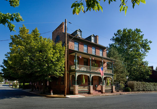 The Railroad House Inn