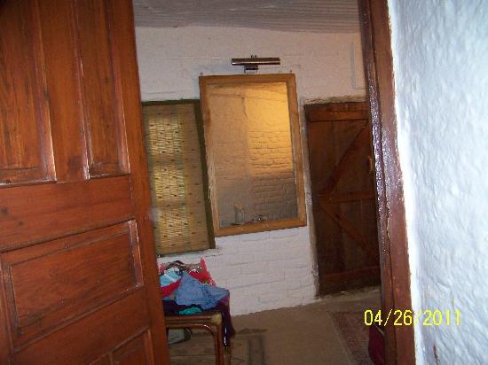 Sitla Estate : room