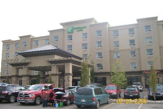 Holiday Inn Hotel & Suites West Edmonton : View of the outside of the hotel