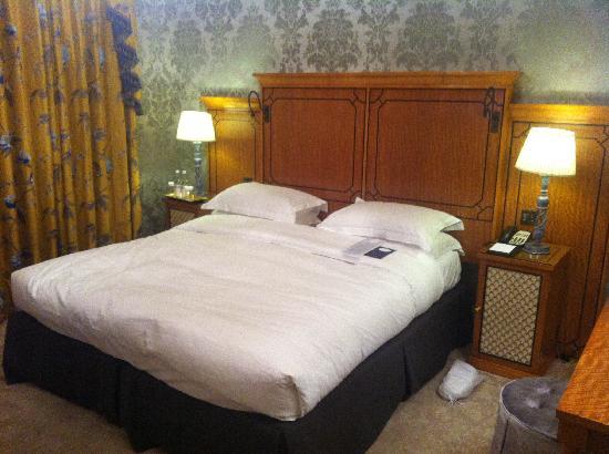 The Goring: bedroom