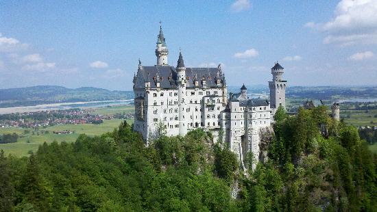 Fancy Bus Tours: Neuschwanstein Castle