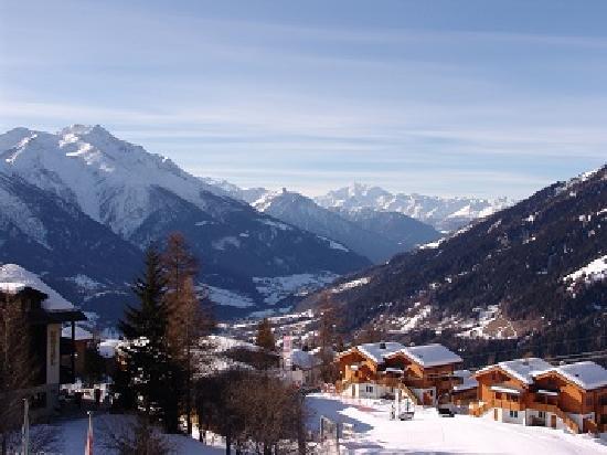 Hotel Ambassador: Winterausblick vom Balkon
