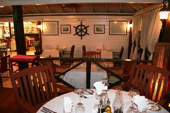 La Bussola Restaurant : Dining table