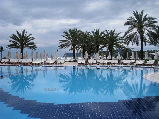 #คลับ เมด ปอลมิเย: la piscine de l'hotel