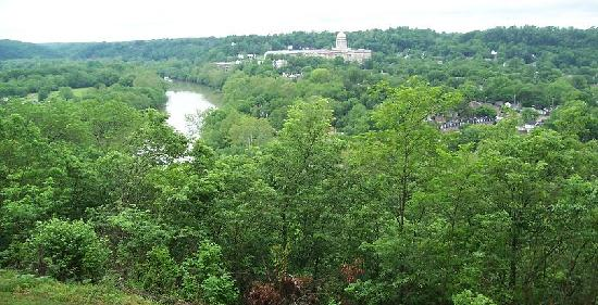 view of Frankfort from overlook at Boone's grave site