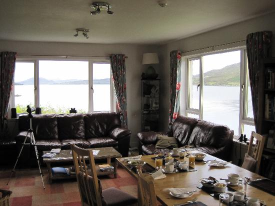 Skye Picture House: general lounge/dining area with loch views