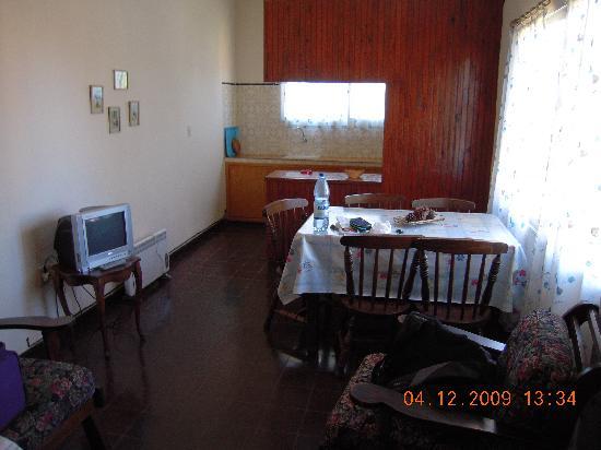 Piroska Hotel : Wohnraum und Küche