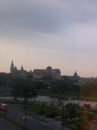 Hotel Hilton Garden Inn Kraków: View of Wawel Castle from room 618