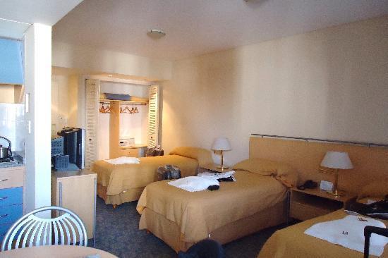 Intersur Suites: bedroom2
