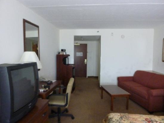 Comfort Suites Oceanview Amelia Island: King Suite Oceanview looking toward door