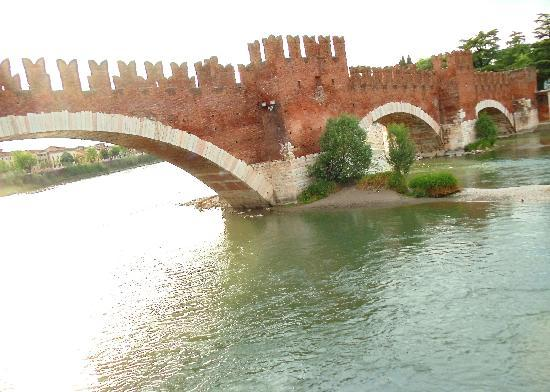 Museo di Castelvecchio: Ponte Scaligero over the River Adige, viewed from Castelvecchio