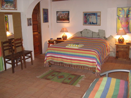 Casa Machaya Oaxaca Bed & Breakfast: Main Guest Level Spacious Bedroom with Queen Bed, Futon